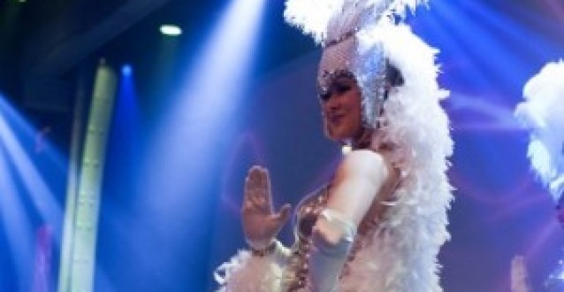 Review: Timemachine Dinnershow – dé dinnershow in Aalsmeer!